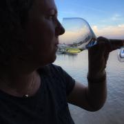 wijn drinken in wijnstad en eetstad Boredeaux