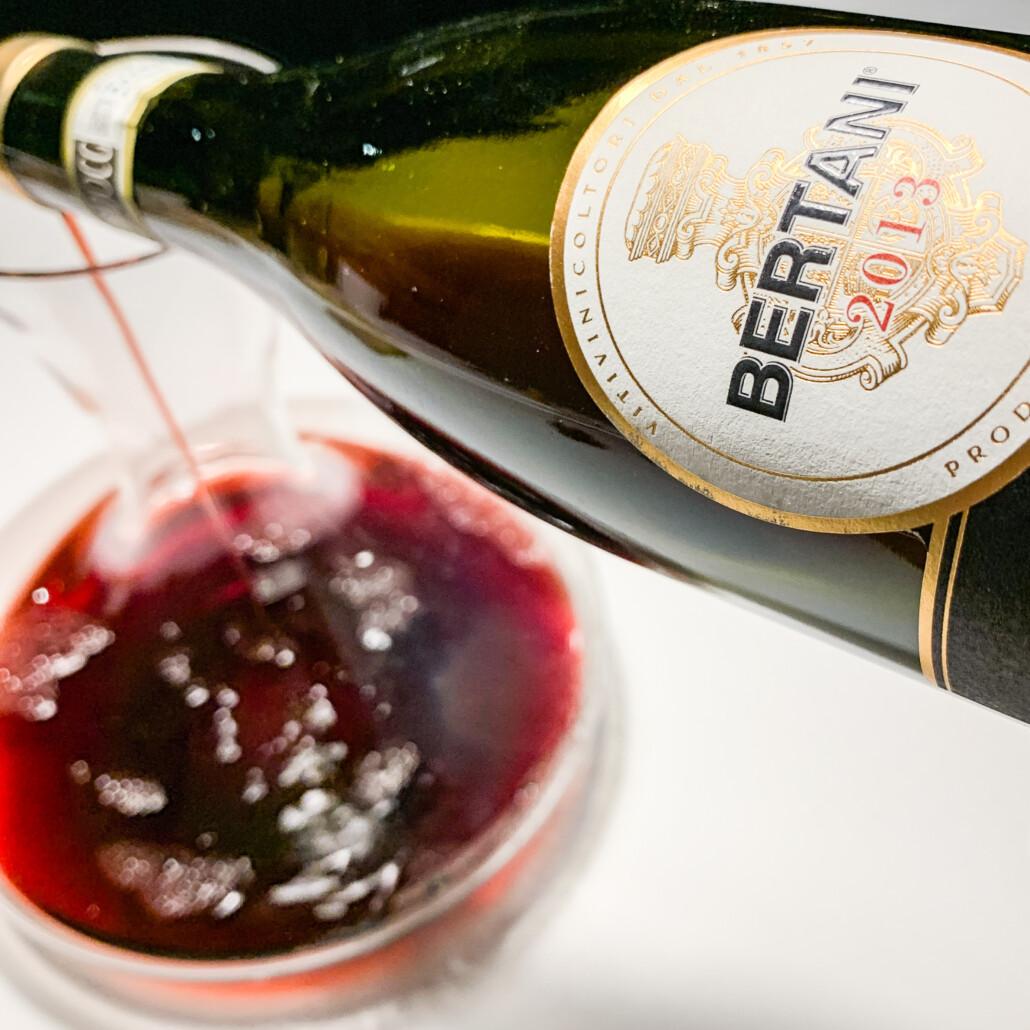 Amarone wijn in een karaf